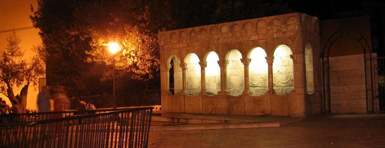 Fontana Fraterna di Isernia. Detta anche Fontana della Fraterna, o ancora fontana delle Sette Cannelle.